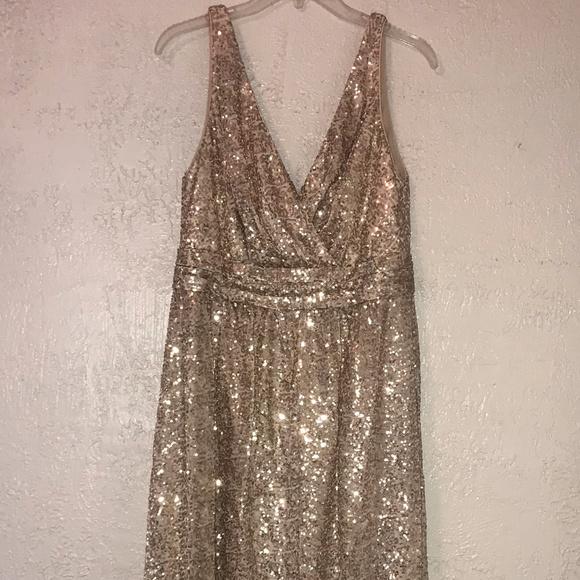 David's Bridal Dresses & Skirts - David's Bridal Sequin V-Neck Bridesmaid Dress